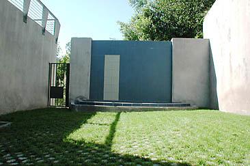 Exterior Entry Way 01-08