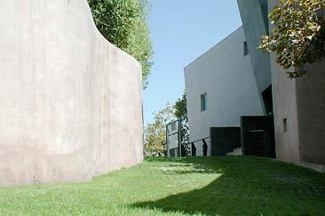 Exterior Garage 01-05