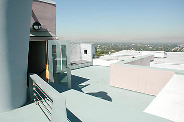 Exterior Top Deck 01-07