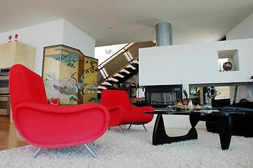 Burg Int Living Room 01-02