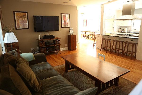 EWLOC 040 Livingroom3