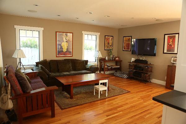 EWLOC 041 Livingroom4