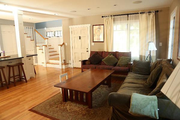 EWLOC 039 Livingroom2