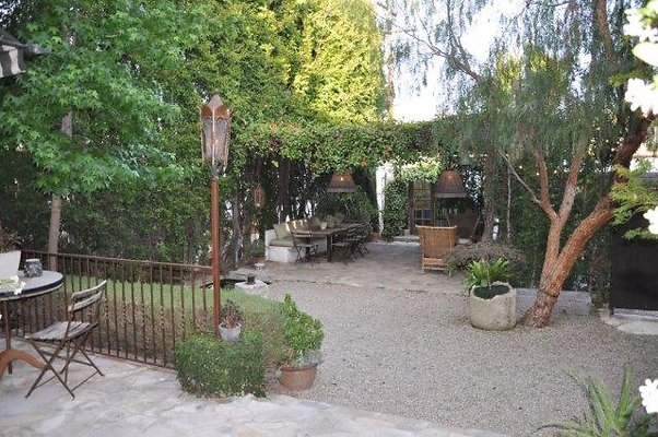 bwr backyard complete from house