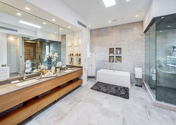 ewllocationsincMaster Bath 1